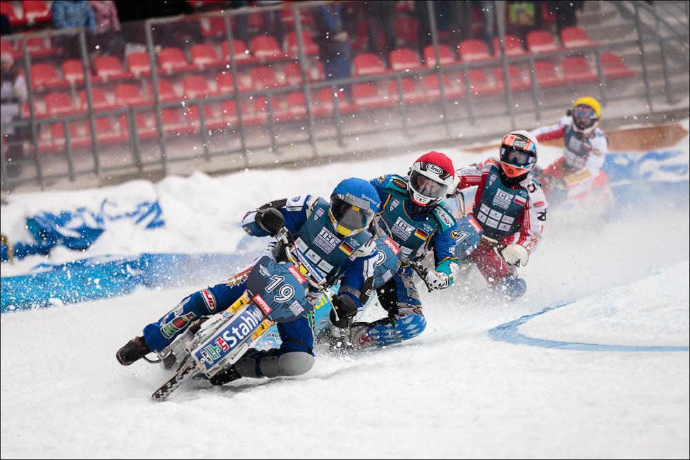 Чемпионы мира по гонкам на льду